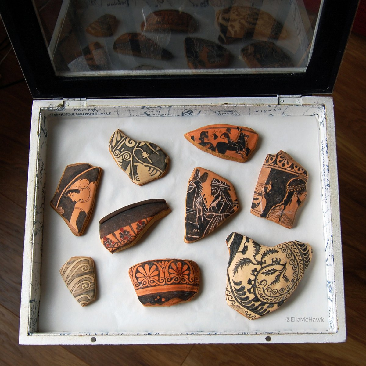 Cookies baked to look like pottery sherds